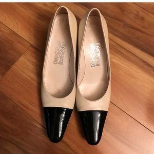 Ferragamo Nude/Black Heels